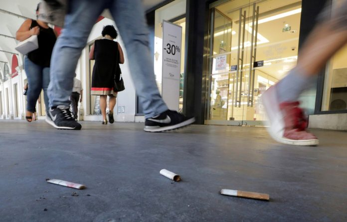 Do almost half of South African men really smoke?