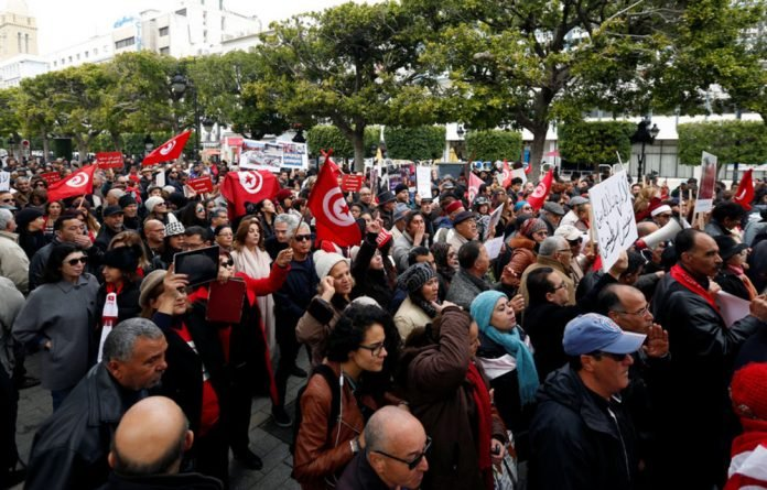Tunisians protest against the return of jihadists fighting for extremist groups abroad