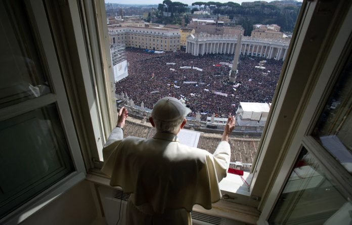 Pope Benedict XVI used his final Sunday address to tell the faithful that he was not abandoning the church.