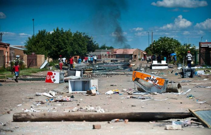 Protesters in Zamdela have said their strike would continue until the government listens.