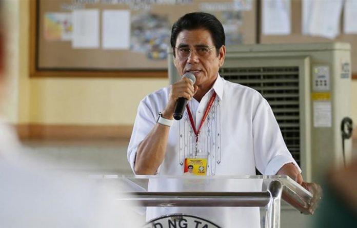 Halili has been the mayor of the city of Tanauan since 2013.