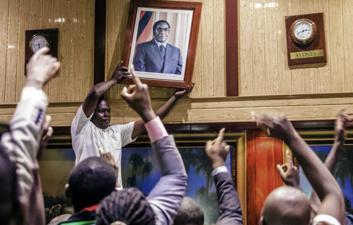 Emmerson Mnangagwa is sworn in on November 24