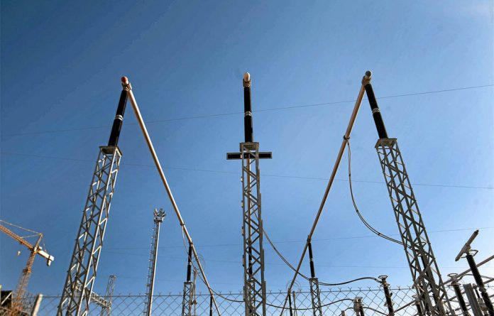 Critics maintain that the power transmission grid must be unbundled from Eskom.