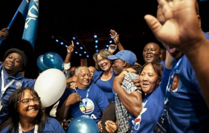 Party insiders say that even if Cape Town mayor Patricia de Lille is approached by another opposition party