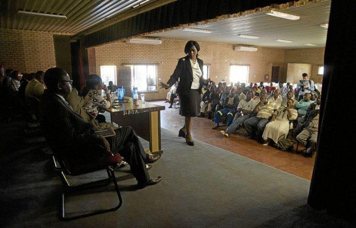 Thuli Madonsela addresses the Bapo ba Mogale community