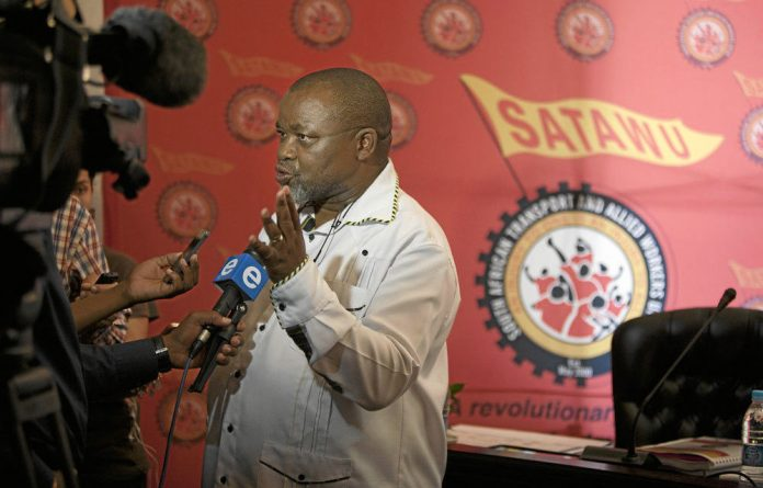 Gwede Mantashe has warned that the price for pursuing Zwelinzima Vavi is too high.