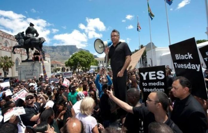 Right2Know and members of the public marched to Parliament to demand changes in the so-called secrecy Bill.