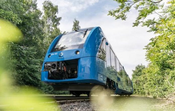The Coradia iLint trains can run for around 1 000 kilometres on a single tank of hydrogen