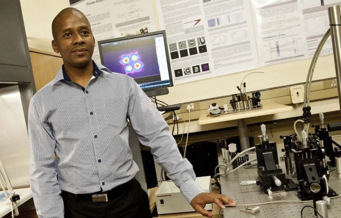 The CSIR's Sandile Ngcobo's invention could revolutionise the optics industry.
