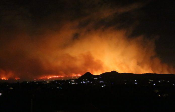 Fire engulfs Noordhoek