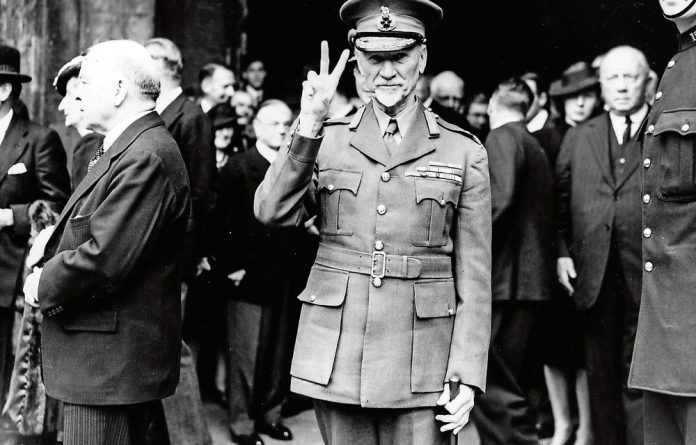 Jan Smuts won the vote to join the war against the Nazi.
