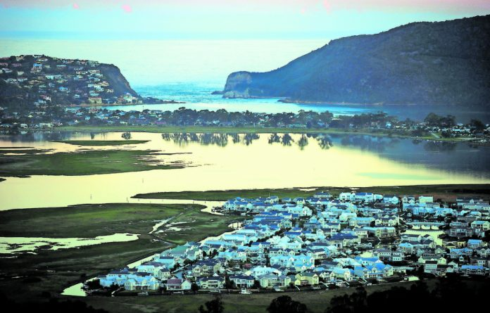 The spectacular Knysna lagoon can be all yours if you book a houseboat for the night.