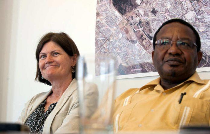 Kate O'Regan and Vusi Pikoli at the Khayelitsha Commission of Inquiry.