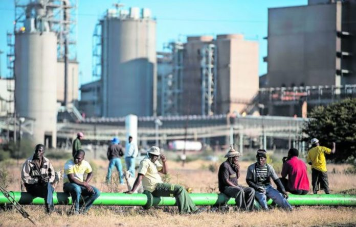 Great Lonmin Community Commodity Specialists that contracts to mining company Lonmin faces accusations of fronting and nepotism by members of its BEE partner