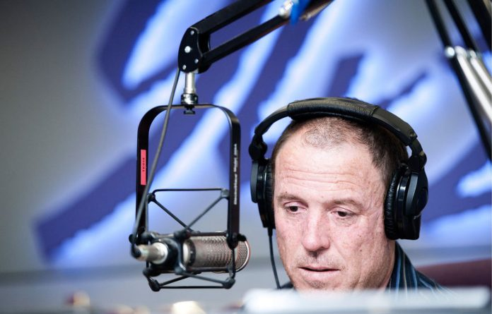 Shaun Dewberry has been lambasted for his blog on online radio listenership numbers.
