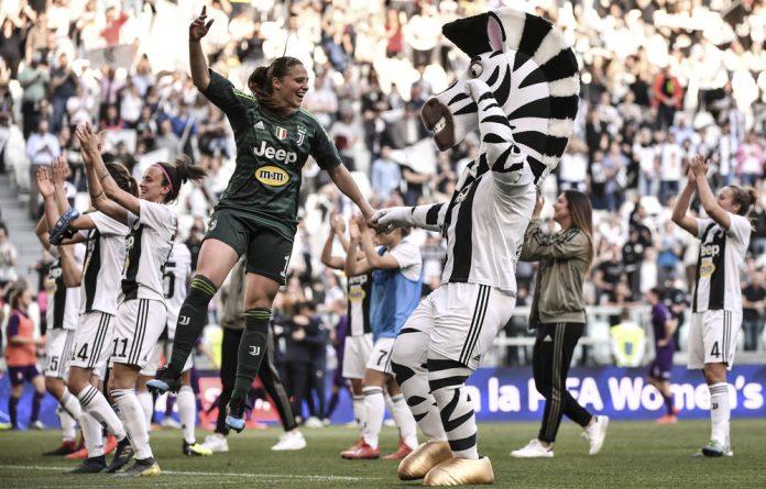 Women up: Female football teams