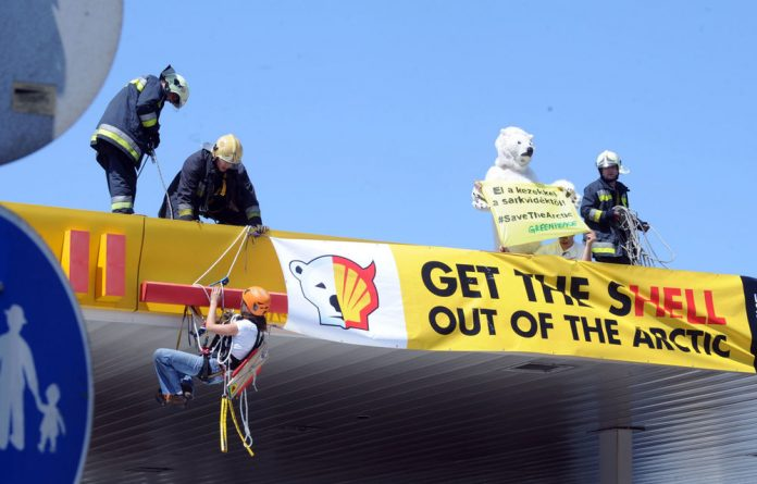 Greenpeace has accused Shell of not doing enough tests ahead of their Arctic mining drilling expedition.
