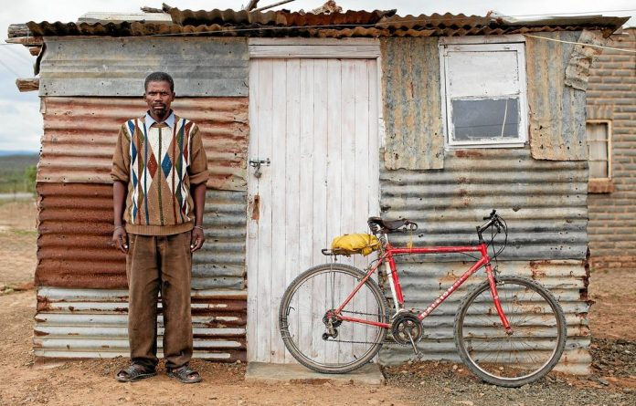 Photographers Stan Engelbrecht and Nic Grobler have been cycling across SA