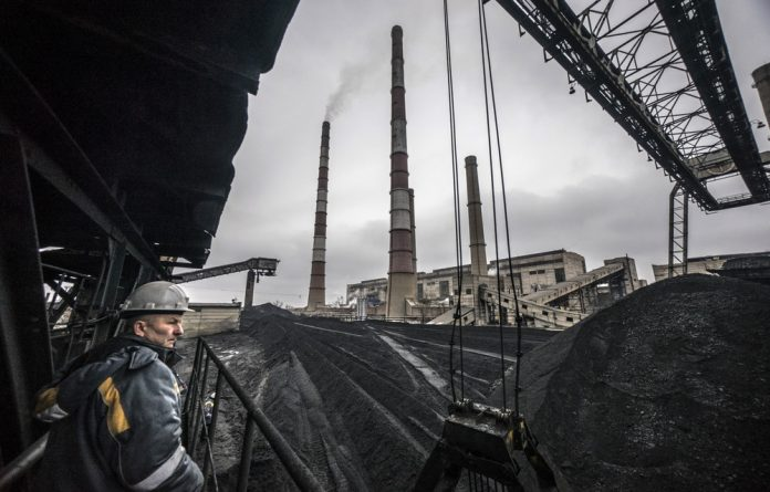 Coalface: Countries around the world are finding ways to assist coal workers transition into other jobs. South Africa's government and unions haven't come up with a plan. Photo: Vincent Mundy/Bloomberg/Getty Images