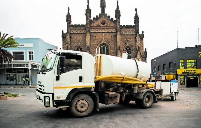 Makhanda is suffering in a drought. Jojo tanks are dotted all around the townships and suburbs; people are trying to catch water.