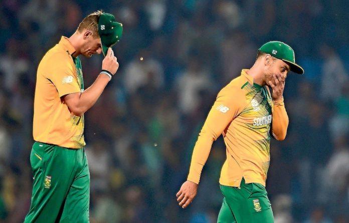 Heads down: Proteas skipper Faf du Plessis