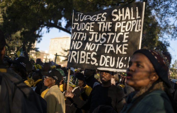 South Africans attend Jacob Zuma's address after he appeared at the judicial inquiry into state capture.