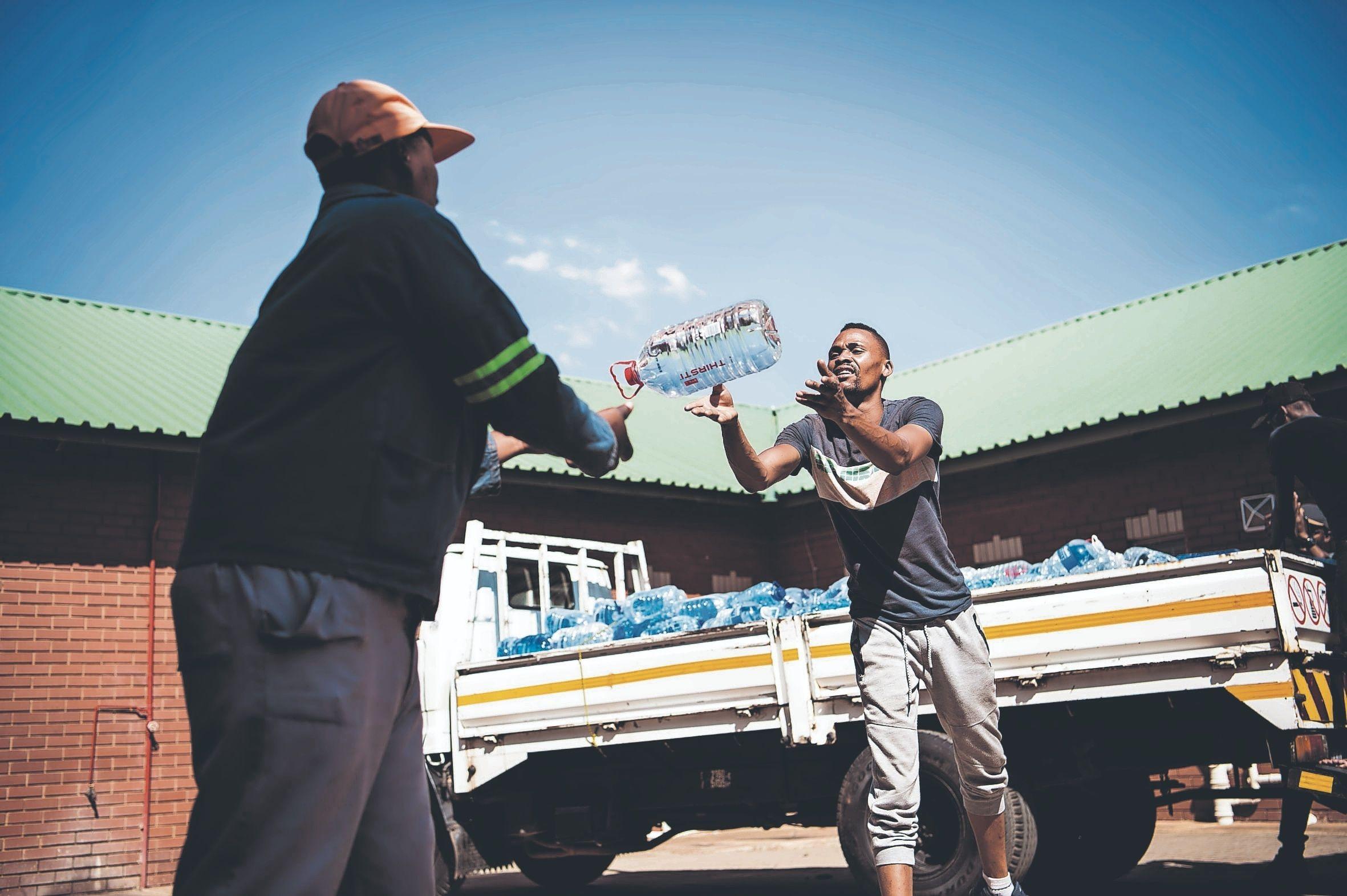 Water Delivery in Hammanskraal (Delwyn Verasamy)