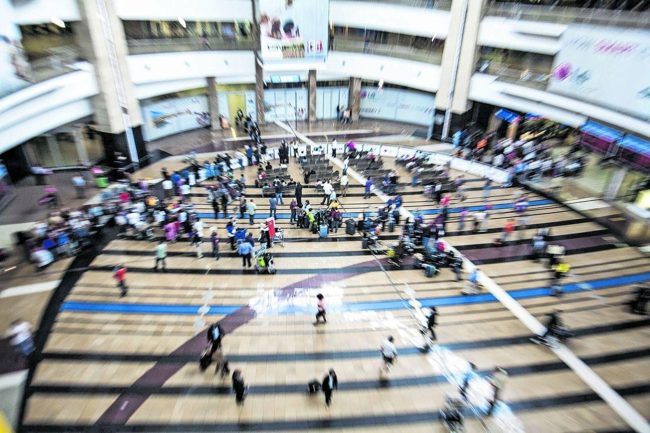 Airport aerial shot (Delwyn Verasamy)