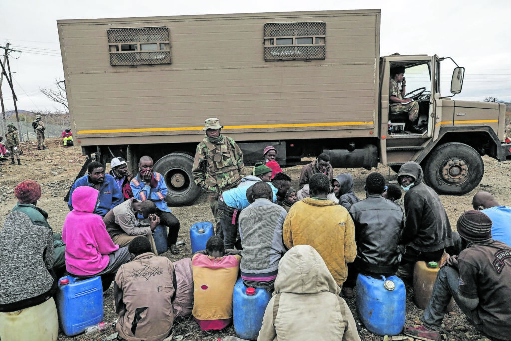 Zimbabwe: How women are taking over cross-border smuggling