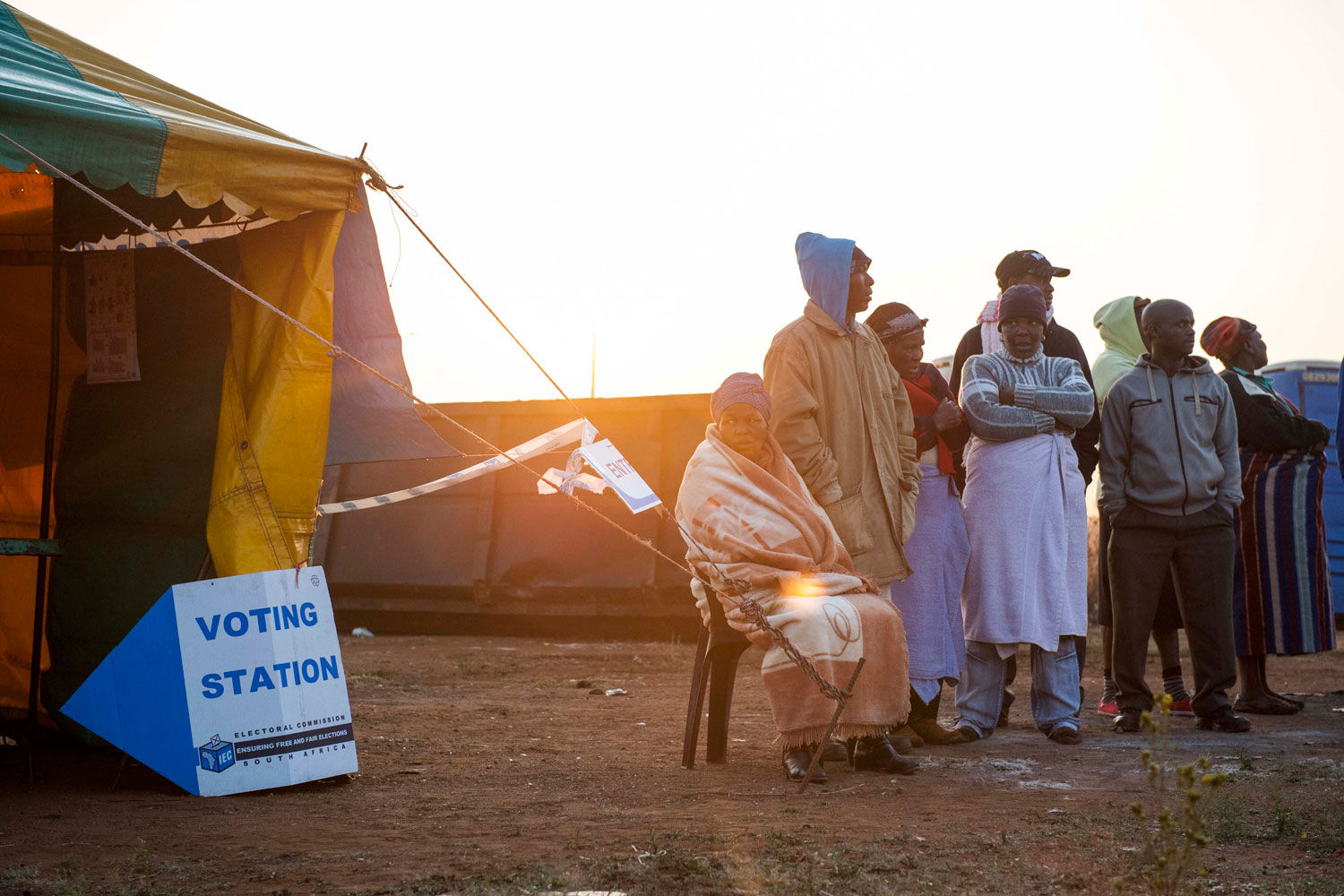 Peaceful voting has started in Bekkersdal after violence last night threatened to deliver on residents promise to not vote. Madelene Cronjé, M&G