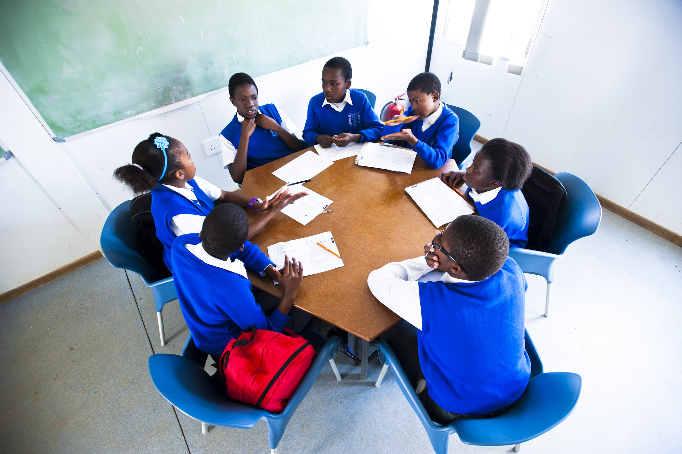 Pupils at Tsakanes African School for Excellence work together in small groups. Delwyn Verasamy, MG