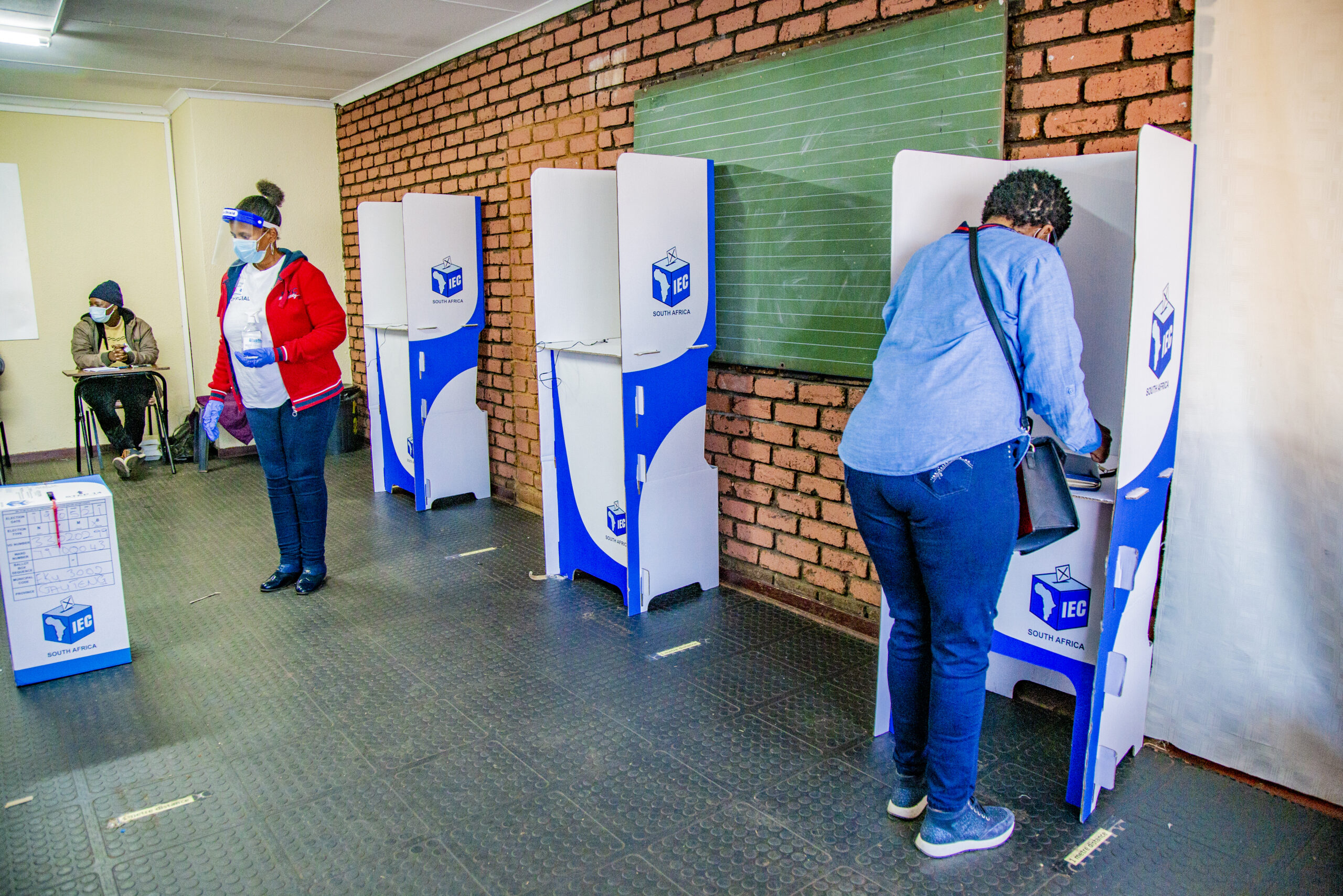 Political parties prepare for battle for the local government elections thumbnail